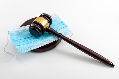 """Richter ruft Bürger zum Widerstand gegen Corona-Strafen auf """"Horrorszenarien nicht eingetreten"""""""